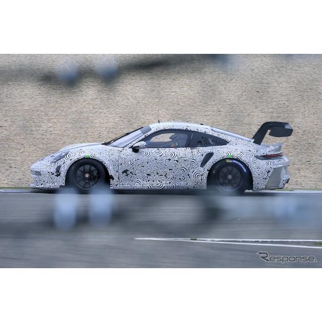 ポルシェ『911』(992世代)に設定されるレーシングモデル、『911 GT3 R』新型プロトタイプのニュル高速テ...