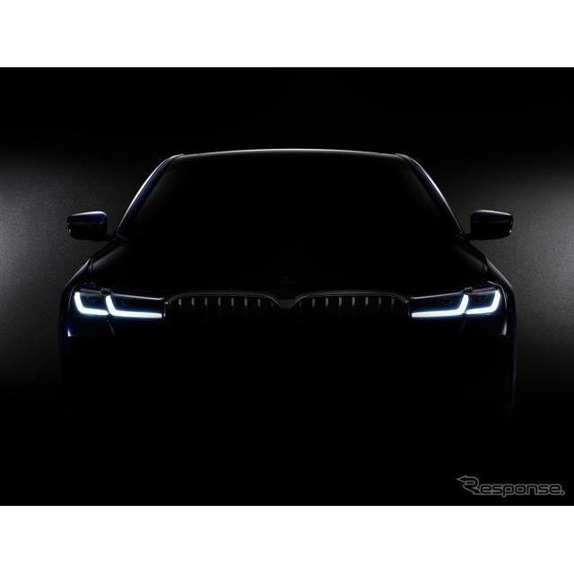 BMW 5シリーズ・ツーリング 改良新型のティザーイメージ