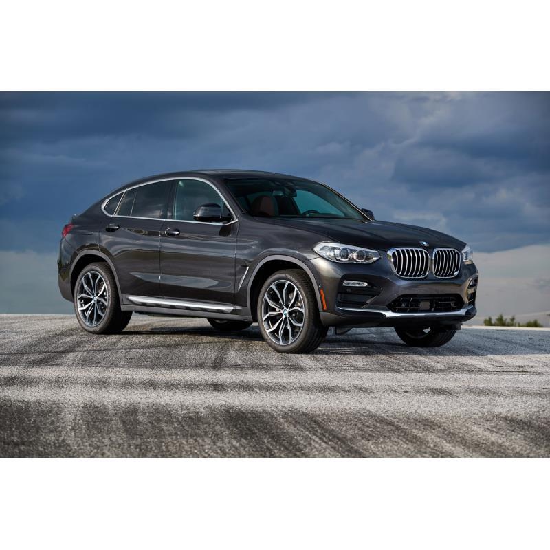 BMWジャパンは2020年6月4日、クロスオーバーモデル「BMW X4」に2リッター直4ディーゼルターボエンジンを搭...