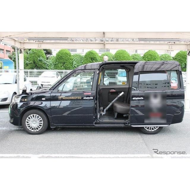 日本交通は、トヨタ自動車、デンソーの協力のもと、トヨタ『JPN TAXI(ジャパンタクシー)』車両をベースに...
