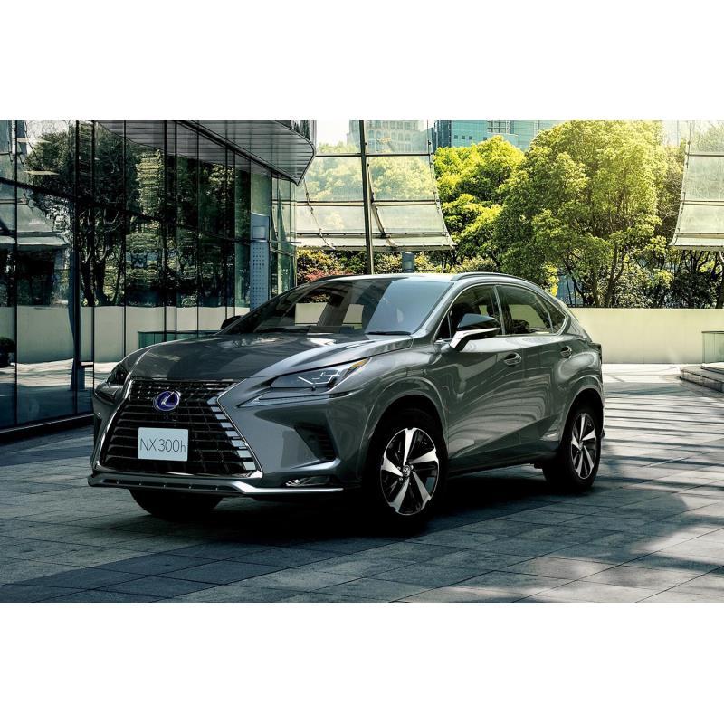 トヨタ自動車は2020年7月16日、レクサスブランドのコンパクトクロスオーバー「NX」の一部仕様を変更すると...