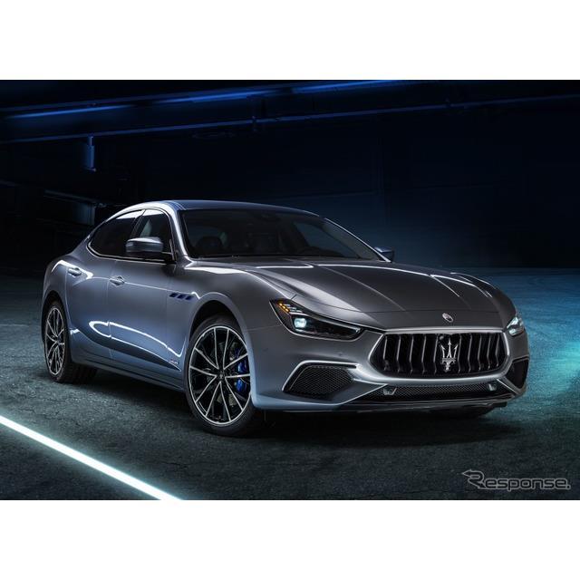 マセラティは7月16日、ブランド初のハイブリッド車、『ギブリ・ハイブリッド』(Maserati Ghibli Hybrid)...