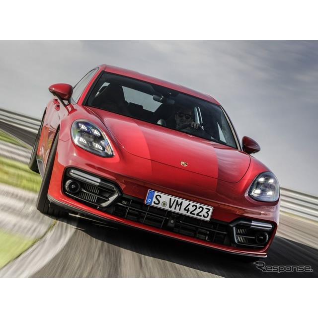 ポルシェは8月26日、改良新型『パナメーラ』(Porsche Panamera)をデジタルワールドプレミアし、「GTS」グ...