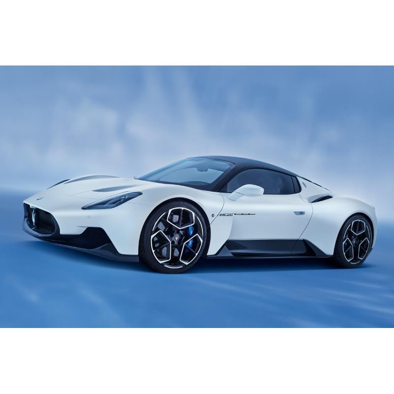 伊マセラティは2020年9月9日(現地時間)、新型のハイパースポーツカー「MC20」を世界初公開した。  かね...
