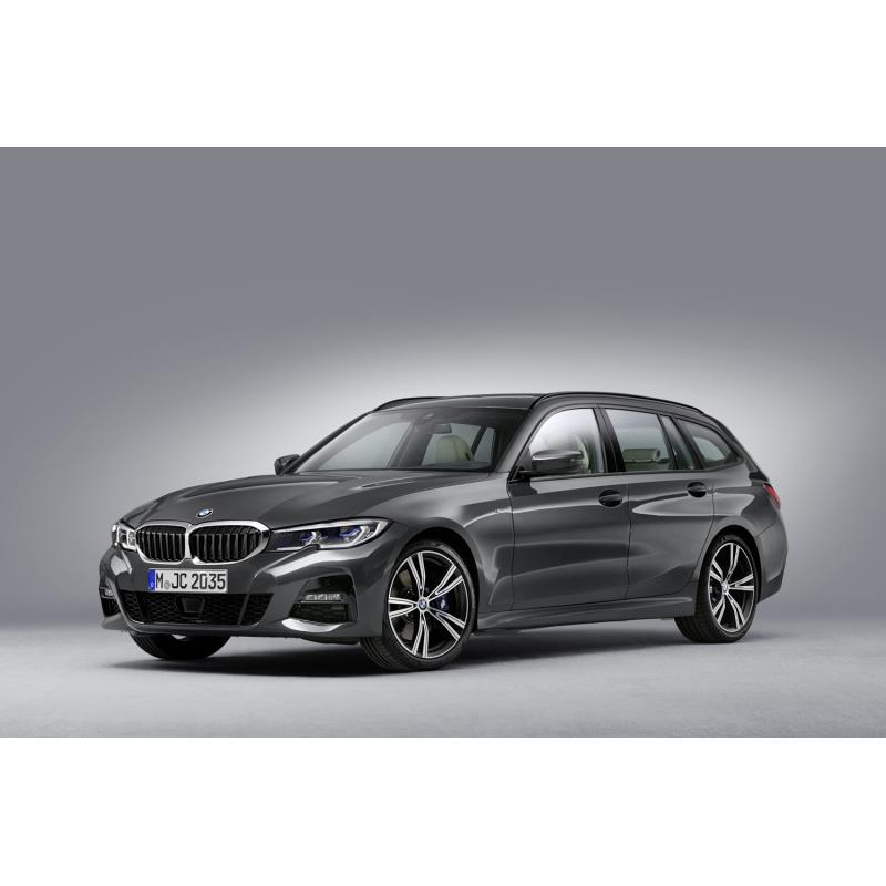 BMWジャパンは2020年9月17日、「3シリーズ ツーリング」に新グレード「318iツーリング」を設定し、販売を開...