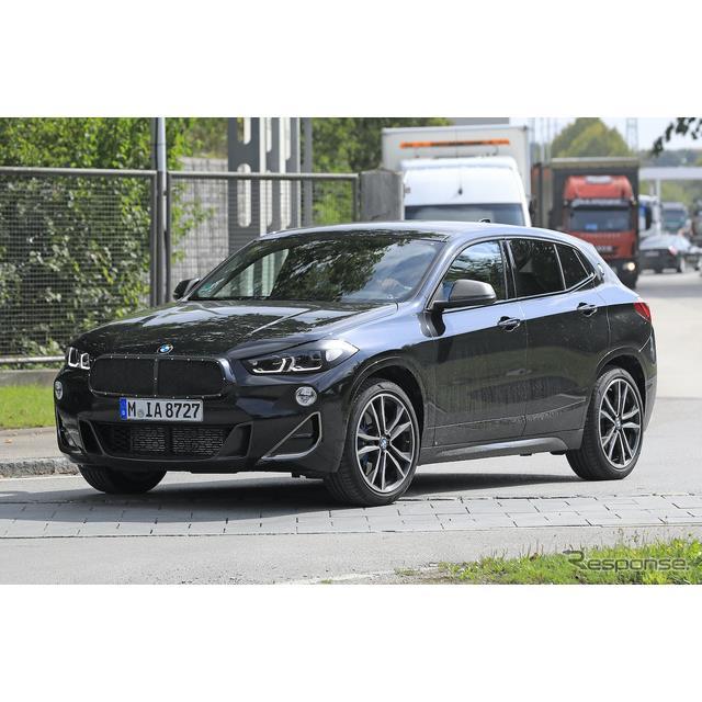 BMWのコンパクトクーペSUV『X2』改良新型プロトタイプを、Spyder7のカメラが鮮明に捉えた。  X2は2018年...