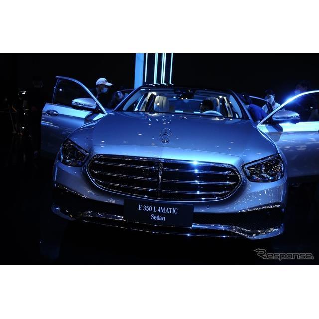 メルセデスベンツは9月26日、中国で開幕した北京モーターショー2020において、改良新型『Eクラスセダン』(...