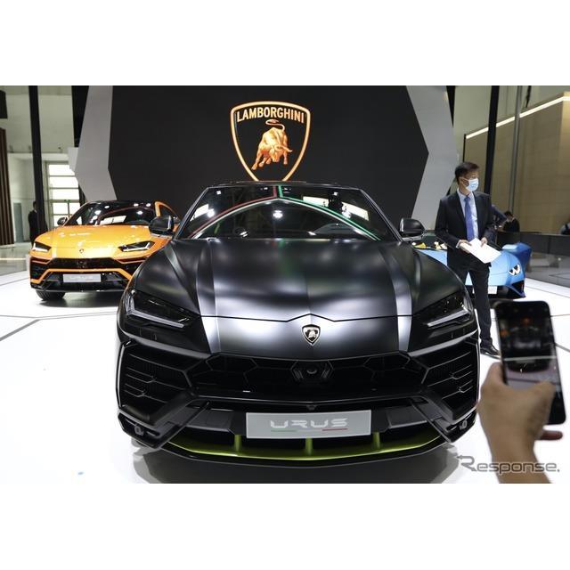ランボルギーニは9月26日、中国で開幕した北京モーターショー2020において、『ウルス』(Lamborghini Urus...