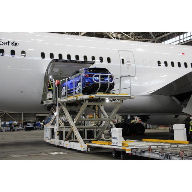 スバルは15日、新型『レヴォーグ』の発表イベントを、成田空港の日本航空(JAL)ハンガー内で開催した。関...