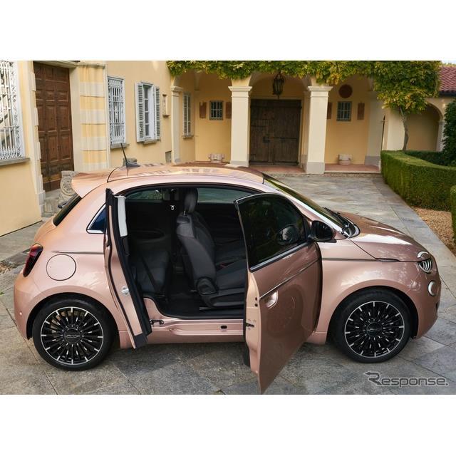 フィアットは10月22日、新型『500』(Fiat 500)の新グレード、『500  3+1』をデジタルワールドプレミアし...