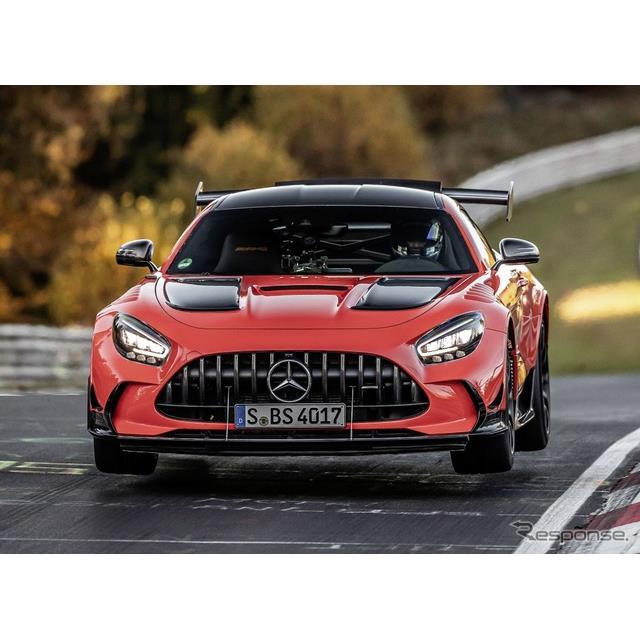 メルセデスベンツは11月18日、メルセデスAMG『GTブラックシリーズ』(Mercedes-AMG GT Black Series)が、...