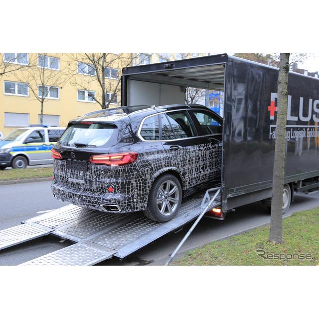 BMWのミドルサイズ・クロスオーバーSAV(Sports Activity Vehicle)『X5』改良新型プロトタイプを、スクー...