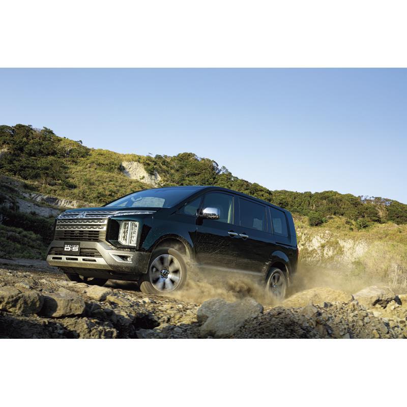 三菱自動車は2020年12月10日、ミニバン「デリカD:5」を一部改良し、販売を開始した。  今回は主に機能装...