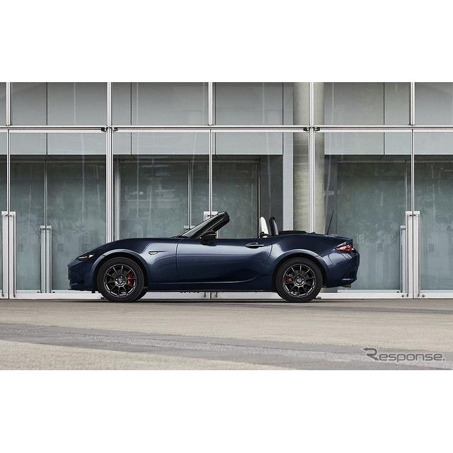 マツダは、ライトウェイトオープンスポーツカー『ロードスター』(ソフトトップモデル)および『ロードスタ...