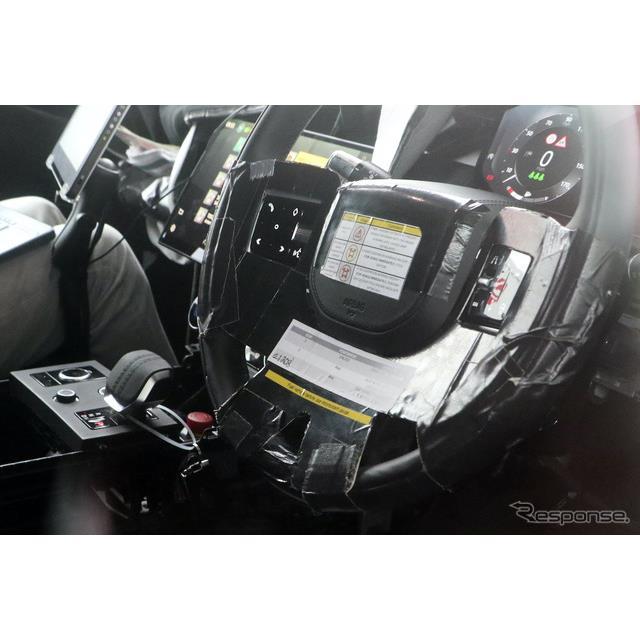 高級クロスオーバーSUVの代名詞と言えるランドローバー『レンジローバー』次期型の最新プロトタイプを、ス...