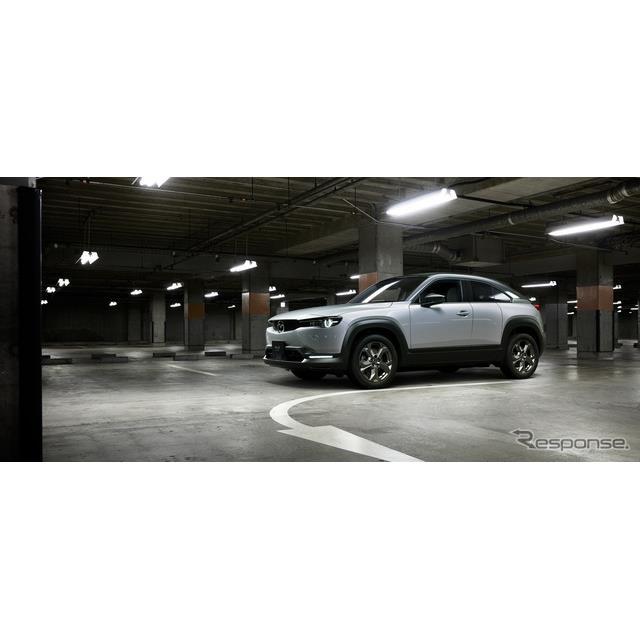 マツダは1月28日、同社初の量産電気自動車(EV)である『MX-30 EV MODEL』を同日から国内販売すると発表し...