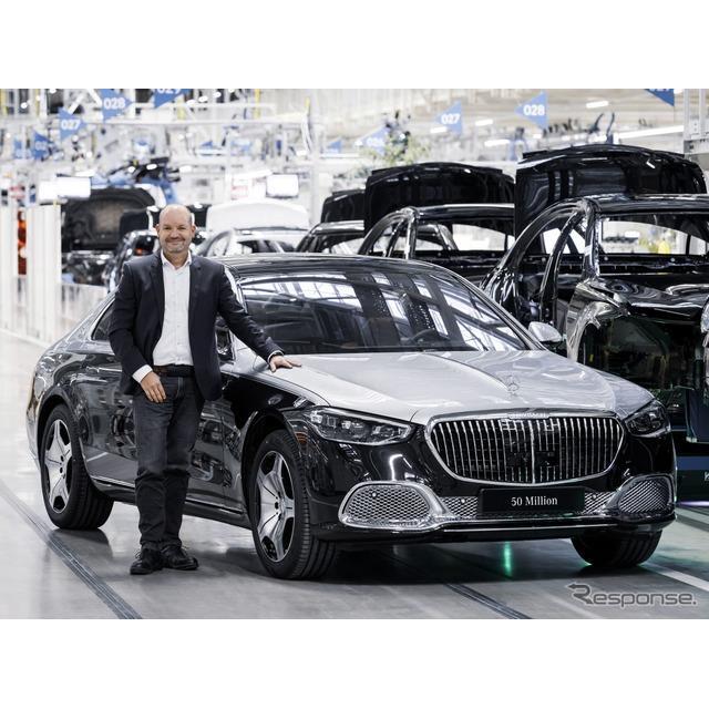 メルセデスベンツは2月12日、新型メルセデスマイバッハ『Sクラス』(Mercedes-Maybach S-Class)の生産を、...