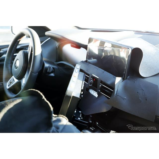 BMWのミドルクラスSAC(スポーツア・クティビティ・ビークル)『X4』改良新型プロトタイプのインテリアを、...