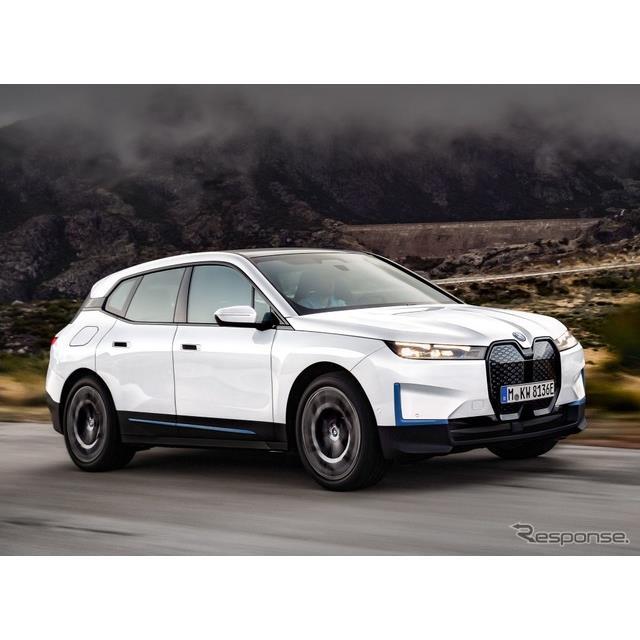 BMWグループは3月17日、新型EVのBMW『iX』(BMW iX)を2021年内に発売すると発表した。まずは、「xDrive50...
