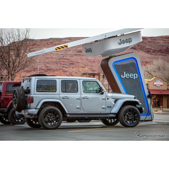 ステランティス傘下のジープブランドは3月26日、『ラングラー』初のプラグインハイブリッド車(PHV)の「4x...
