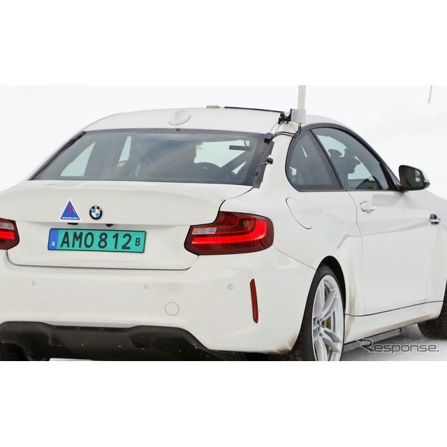 BMWは現在『M2クーペ』新型の開発を進めているが、これまで目撃されてきたプロトタイプとは異なる、謎の開...