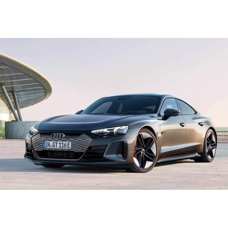 アウディ ジャパンは2021年4月6日、新型電気自動車(EV)の「e-tron GT」を日本で初公開した。  高性能版...