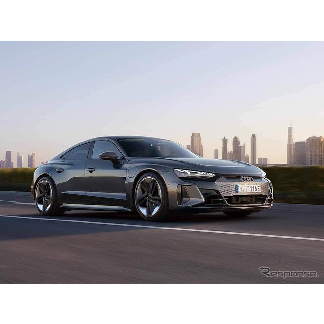 アウディ ジャパンは4月6日、新型EVスポーツカー『e-tron GT』をメディア向けオンライン発表会で日本初公開...
