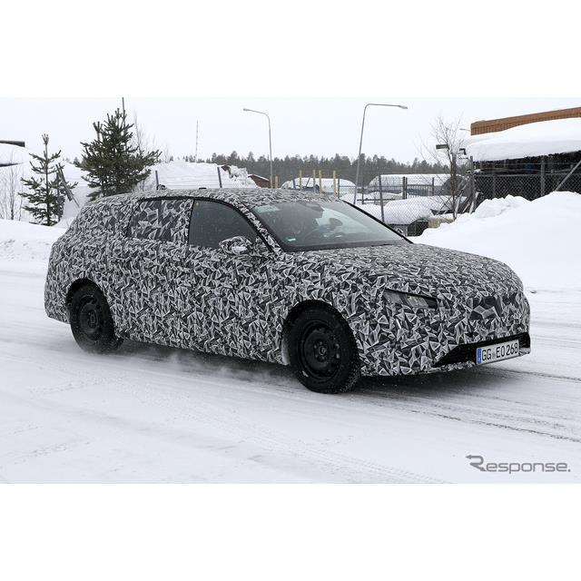 プジョーは3月18日、主力モデル『308』新型を発表したばかりだが、その派生ステーションワゴン『308SW』プ...