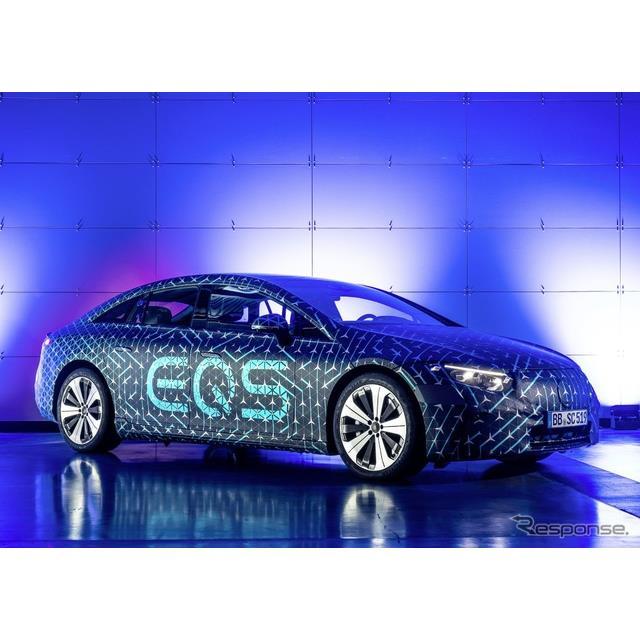メルセデスベンツ(Mercedes-Benz)は4月3日、4月15日にデジタルワールドプレミアする予定の新型EV、『EQS...