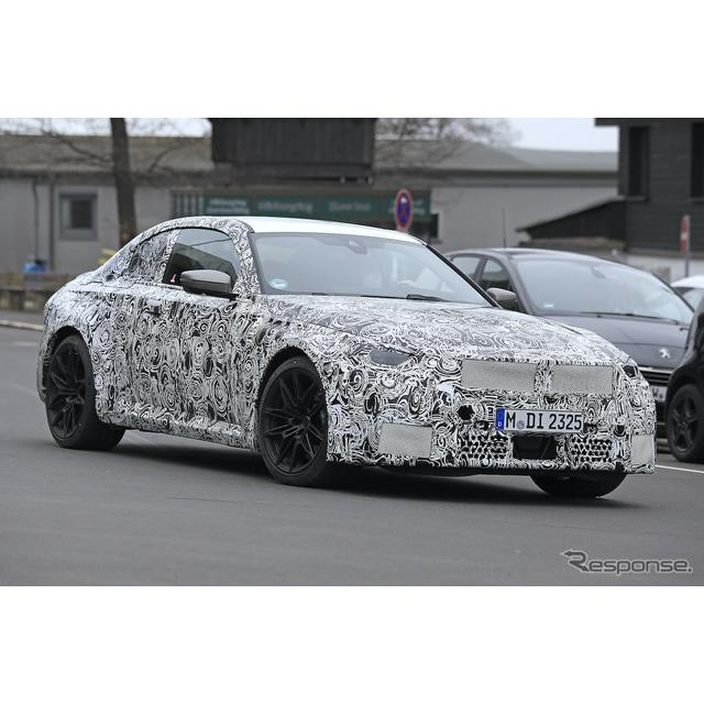 BMWスポーツの伝統を継承する高性能コンパクトFRクーペ、『M2クーペ』次期型の最新プロトタイプをカメラが...