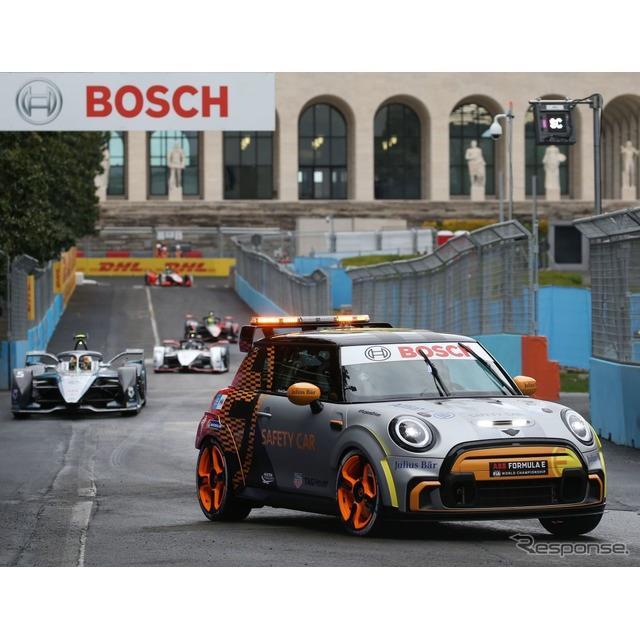 MINIは4月14日、MINI『ハッチバック』のEVをベースにした「フォーミュラE」のペースカー、MINI『エレクトリ...