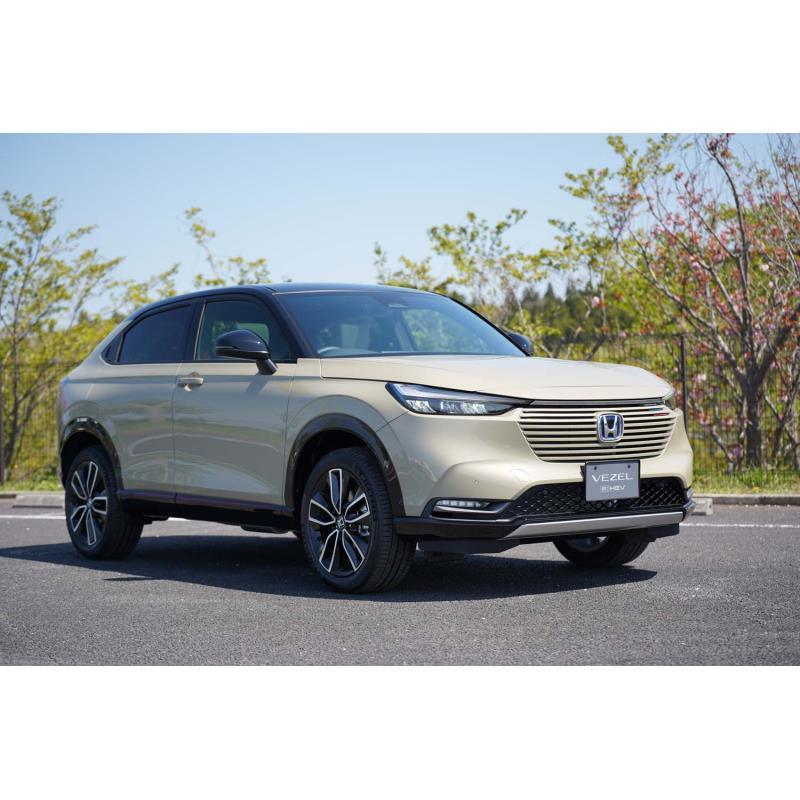 本田技研工業は2021年4月22日、クロスオーバーSUV「ヴェゼル」の新型を同年4月23日に発売すると発表した。...