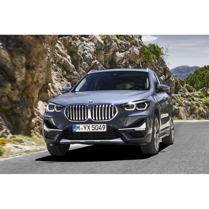 BMWジャパンは2021年4月30日、「BMW X1」の一部仕様を変更し、販売を開始した。  今回の仕様変更は最高出...