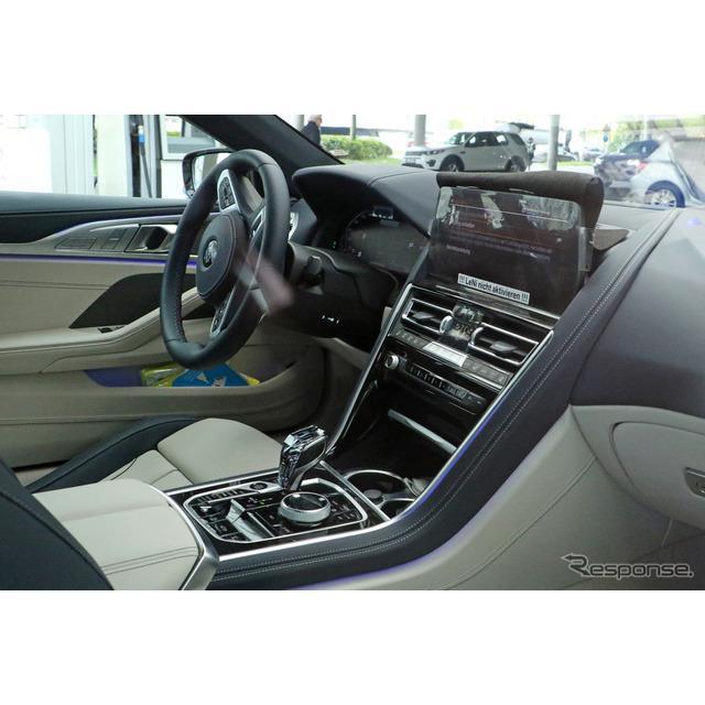 BMWのフラッグシップオープンカー『8シリーズ カブリオレ』改良新型プロトタイプを、カメラが初めて捉えた...