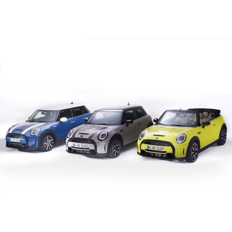 BMWジャパンは2021年5月25日、マイナーチェンジした「MINI 3ドア/5ドア/コンバーチブル」の国内導入を発...