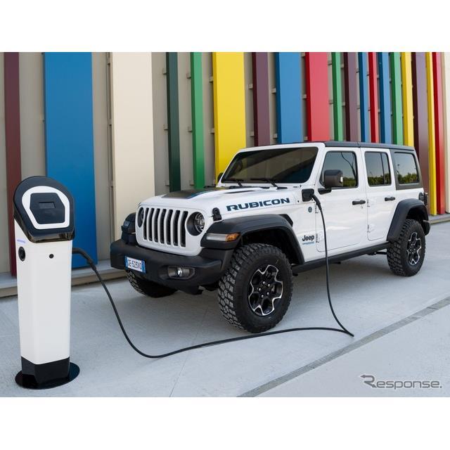 ジープブランドは5月27日、『ラングラー』(Jeep Wrangler)初のプラグインハイブリッド車(PHV)の「4xe」...