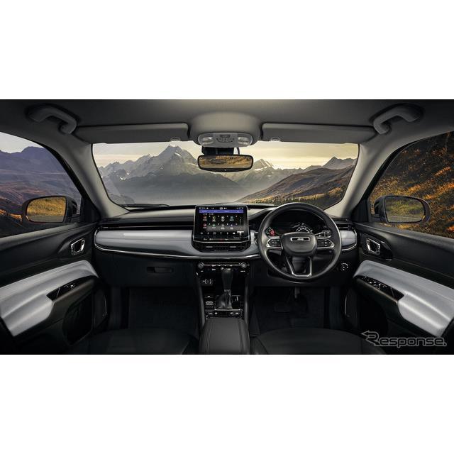 FCAジャパンは内装デザイン変更や安全装備の充実など一部改良したジープ『コンパス』を6月26日から販売を開...