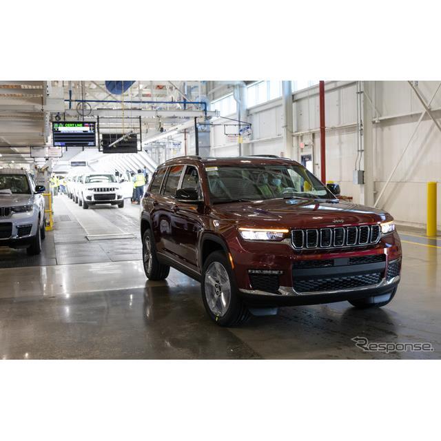 ジープブランドは6月21日、新型『グランドチェロキーL』(Jeep Grand Cherokee L)の米国市場向け出荷を、...