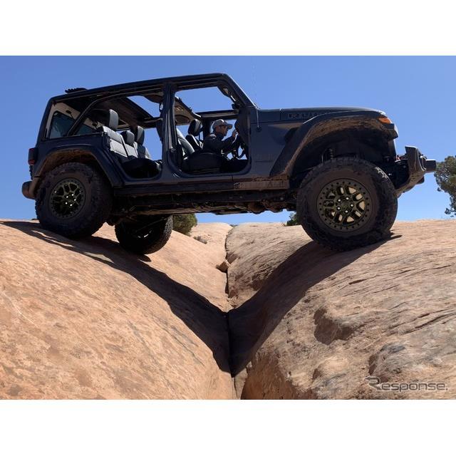 ジープブランドは6月25日、『ラングラー』(Jeep Wrangler)に「エクストリーム・リーコン・パッケージ」を...