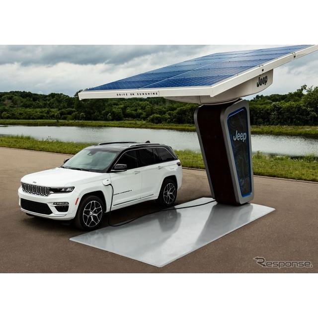 ジープブランドは7月8日、新型ジープ『グランドチェロキー』(Jeep Grand Cherokee)に、プラグインハイブ...