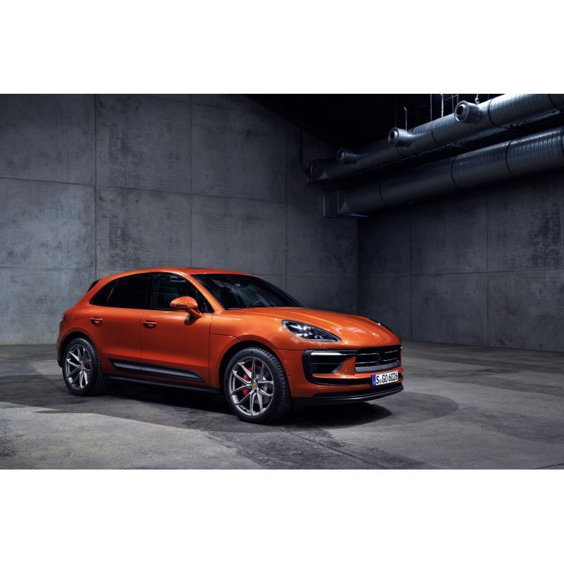 ポルシェジャパンは2021年7月20日、コンパクトSUV「マカン」の改良モデルを発表し、予約注文受け付けを開始...