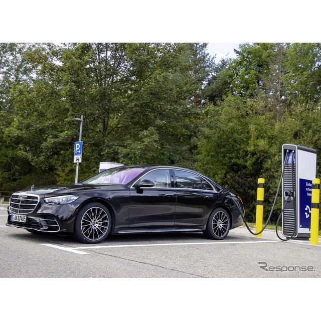 メルセデスベンツは、新型『Sクラス』(Mercedes-Benz S-Class)のプラグインハイブリッド車(PHV)の受注...
