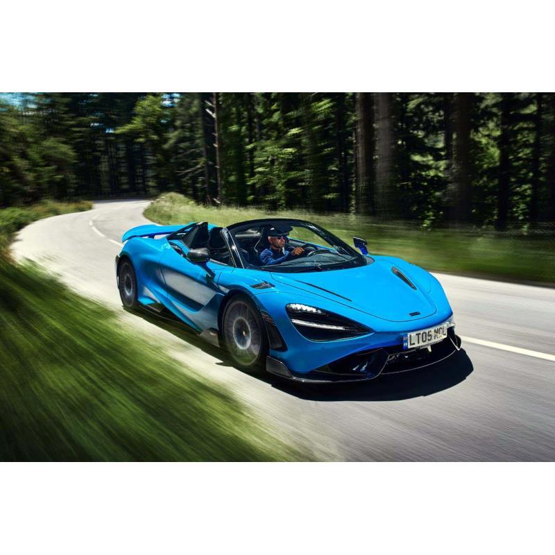 英マクラーレン・オートモーティブは2021年7月27日(現地時間)、オープントップの新型車「マクラーレン765...