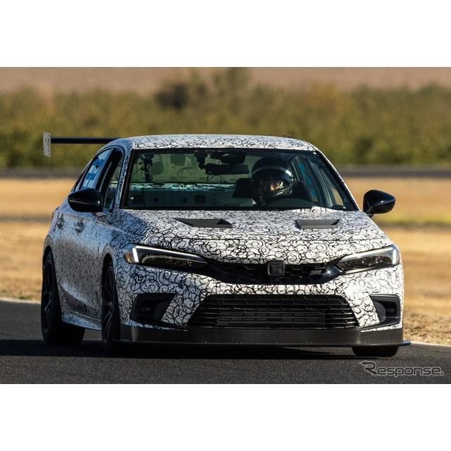 ホンダの米国部門は10月11日、現在開発中の新型『シビックSi』(Honda Civic Si)のレーシングプロトタイプ...