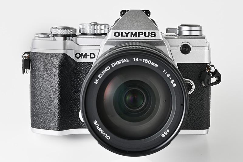オリンパス「OM-D E-M5 Mark III」