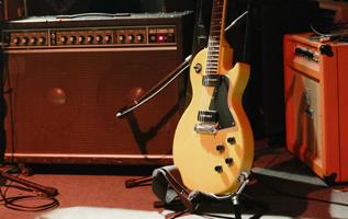 ギターアンプとは