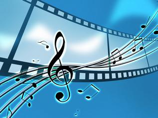 映像を楽しむのに特化したAVアンプ、音楽観賞が目的ならプリメインアンプを