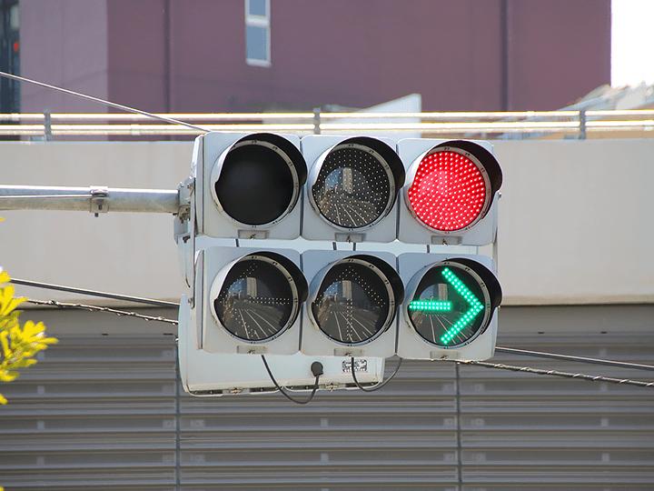 信号の色を明確に識別できる