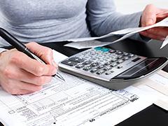 車売却・下取り時の消費税、所得税は?