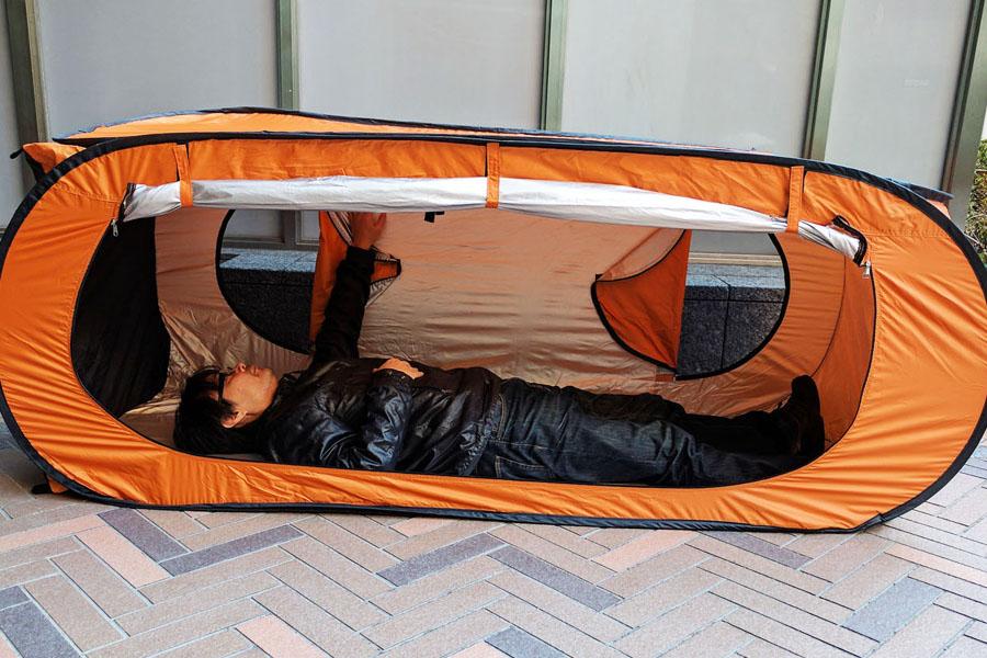 トイレ、個室、更衣室の3wayで使えるカプセルテントを常備すべし